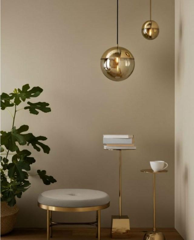 Χρυσό κρεμαστό φωτιστικό τοίχου H&M