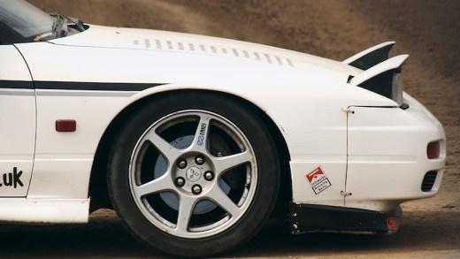 beyaz araba