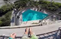 Ölümüne Havuza Atlayan Genç
