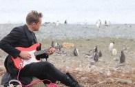 Rock Grubundan Penguenlere Konser