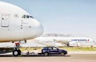 Uçağı Çekerek Guinness Rekoru Kırdı