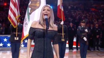 Fergie'nin Amerikan Milli Marşı Seyircileri Güldürdü