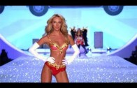 Gelmiş Geçmiş En İyi 10 Victoria's Secret Açılış Şovu