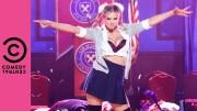 Kate Upton Liseli Britney Spears'ı Canlandırdı