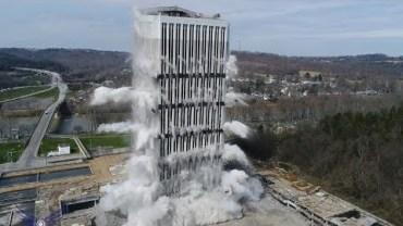 Koca Koca Binalar Böyle Yıkılıyor: Bina Yıkım Videoları