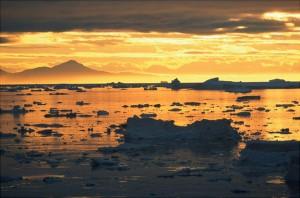 Strange Phenomenon: Sun rises two days early in Greenland?