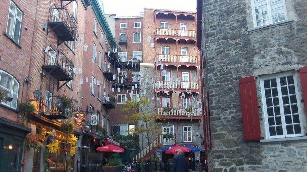 La ville de quebec ressemble de beaucoup a des villes françaises que l'on retrouvent en bretagne ou en normandie photo blog voyage tour du monde http://yoytourdumonde.fr