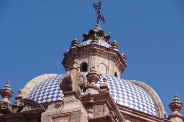 Mexique: Toit d'une église de Morelia