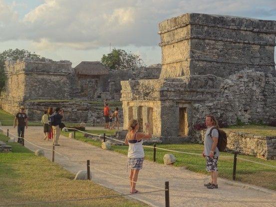Site maya de Tulum au Mexique photo blog voyage tour du monde https://yoytourdumonde.fr