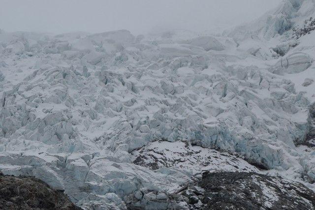 Perou-Laguna 69: Au dessus de la Laguna un superbe glacier!