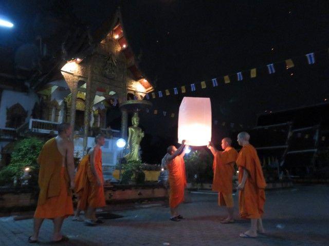 moines-bouddisme-travel-voyage-chiang-mai