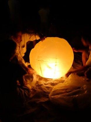 Cambodge-Kep: Des lampions allumées en famille