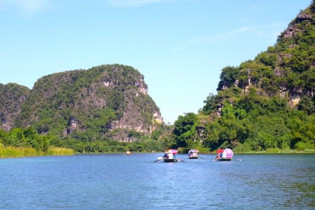 Visite baie d'halong terrestre et ninh binh photo blog voyage tour du monde http://yoytourdumonde.fr