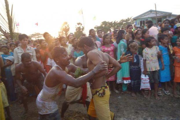 ceremonie hindouiste birmanie ile de l'ogre blog voyage tour du monde http://yoytourdumonde.fr