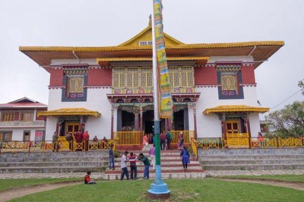 Temple tibétain du coté de Rabdentse au Sikkim photo voyage tour du monde http://yoytourdumonde.fr