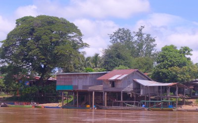 Laos 4000 iles photos blog voyage tour du monde maison en bois coloniale sur le Mékong http://yoytourdumonde.fr