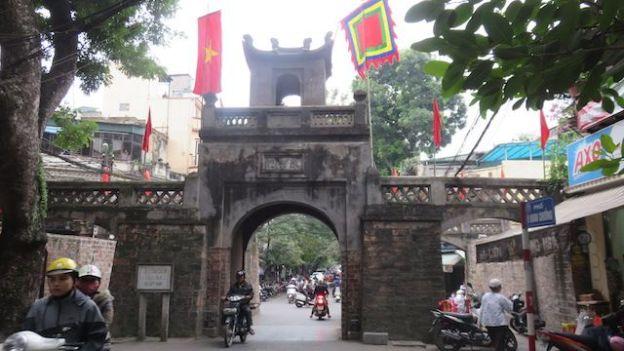 Voyage au Vietnam: Porte d'entrée sur l'ancienne ville d'Hanoi.