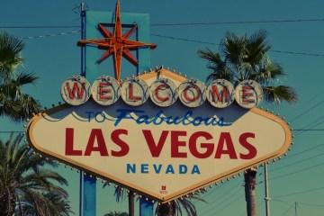 L'un des panneaux les plus connus de Las Vegas photo voyage blog tour du monde http://yoytourdumonde.fr