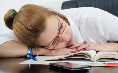 Ένας σύντομος ύπνος κατα τη διάρκεια της μέρας, μπορεί να βελτιώσει τη μνήμη μας