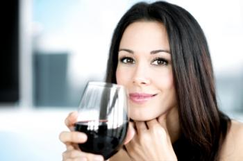 Το κόκκινο κρασί πιθανόν να μειώνει τον κίνδυνο του καρκίνου του μαστού