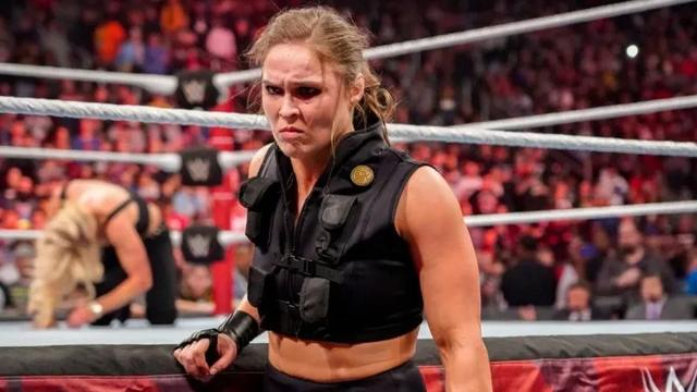 Ronda Rossi actually said that WWE wrestling was a fake fight, and she responded with domineering:You really retired early!