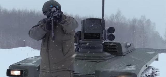 """US media said that Russian""""machine soldier"""" tanks are not reliable, and Russia is training them to understand human language"""