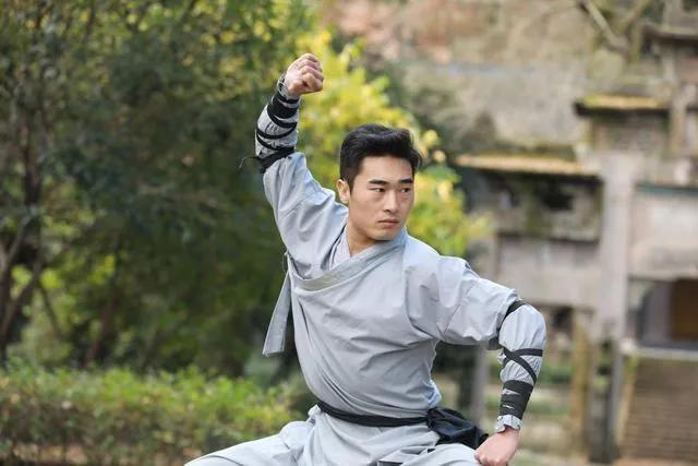 Shaolin disciple Pu Dongdong went abroad three times and twice KO, only he defeated the world's No. 1