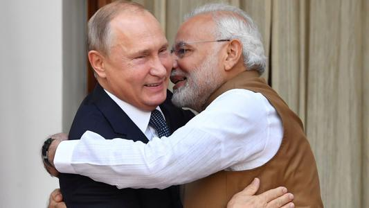 After the 12-hour border talks, Modi immediately put Putin on the phone, and the Russian side expressed its vigilance.