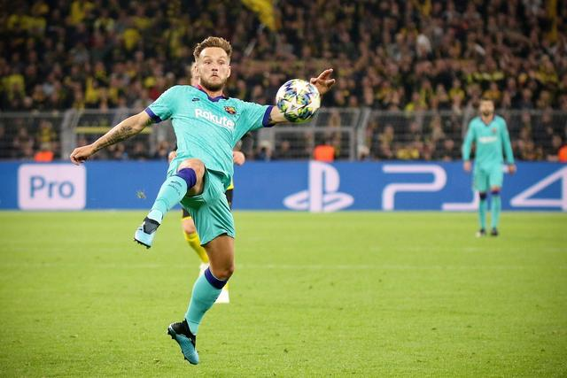 Body:Rakitic wants to return to Seville, but Barcelona doesn't want to let people go for free