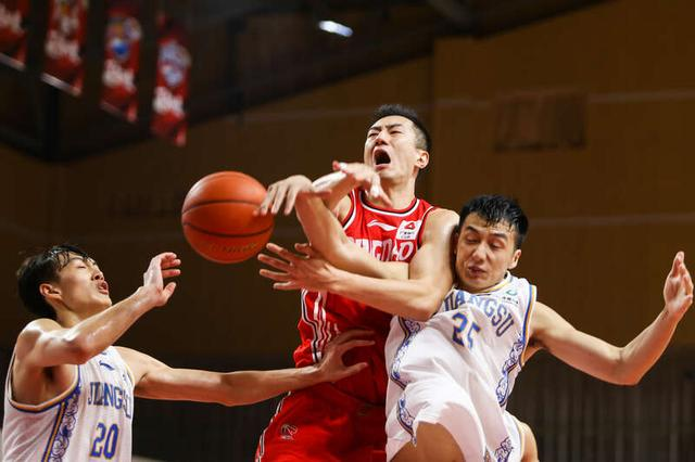 CBA opening game, two teams lose troops and lose generals, Jiangsu coach Li Nan is unfavorable