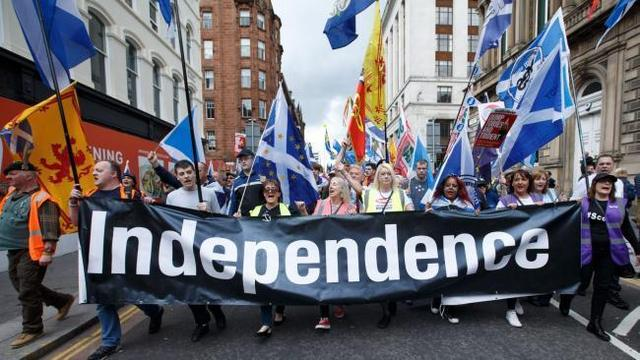 """The former British Prime Minister called for Scotland to hold two independent referendums, foreign media:""""Trump-style script"""""""