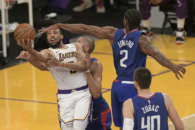 Old Versailles, Lakers coach:Tucker's performance today made my job harder