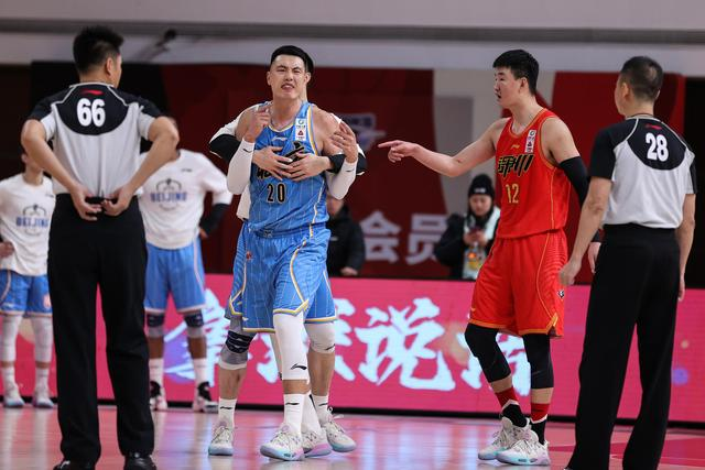 """CBA Beijing team's""""retirement"""" controversy results in punishment:a total of 50,000 fines, and the head coach suspended for four games"""