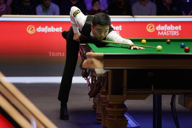"Lost to""Rocket"" Ding Junhui to stop the first round of the Snooker Masters"