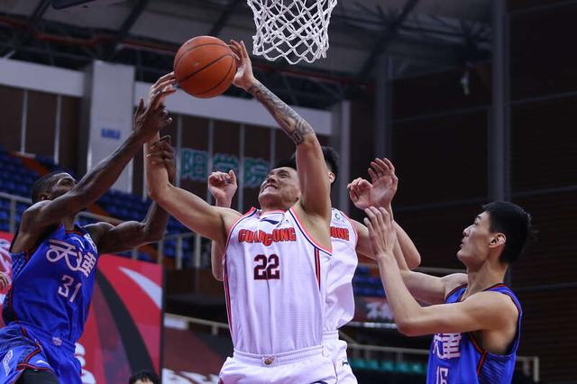 """CBA Express:Lost the game and won praise from opponents""""Fish belly"""" Tianjin taught the defending champion a lesson"""