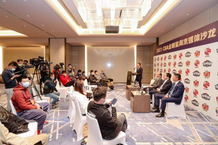 Four CBA executives responded to multiple hot topics, CEO Zhang Xiong explained the refereeing issue in detail