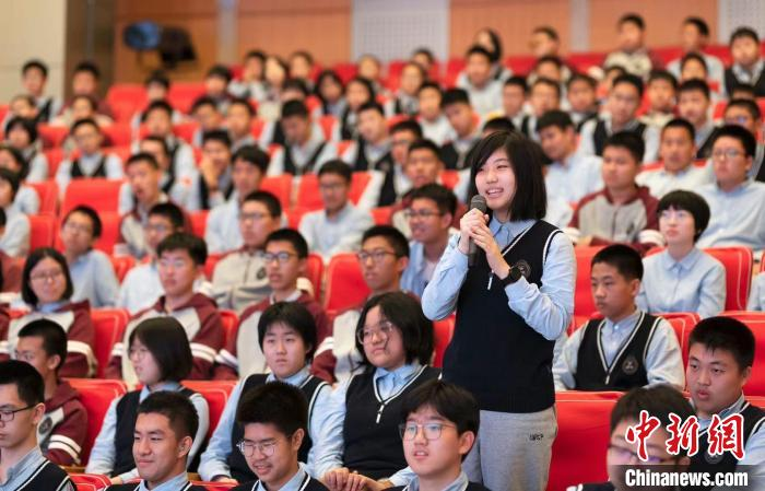 """Shenyang """"September 18"""" History Museum enters the school, tells stories about party history, inherits red classics"""