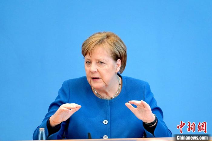 After the first shot of AstraZeneca, Merkel received the second shot of Modena vaccine