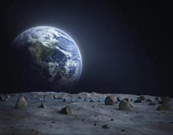 Astronauts are not afraid of sacrifice. Why do they feel afraid of looking at the earth from the moon?