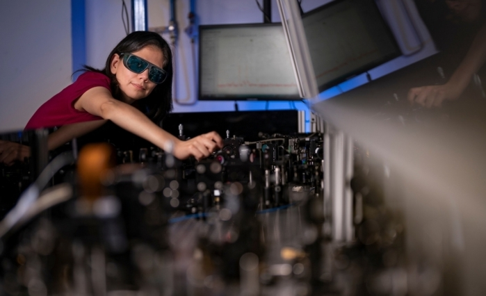 Australian University invents gallium arsenide film that can turn ordinary glasses into night vision devices