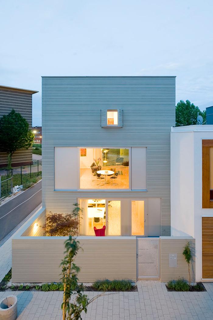 minimalist house exterior 5 Characteristics of Modern