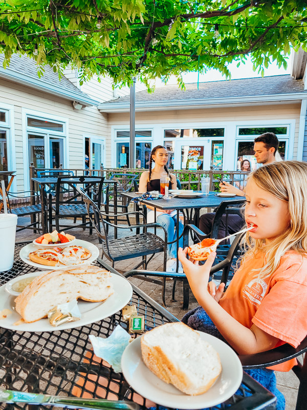places to eat with kids chattanooga