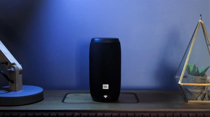 JBL Link 10 Voice Activated Speaker Hands-on - YugaTech