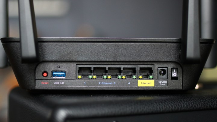 Linksys MR8300 Tri-Band Gaming Mesh Wi-Fi Router Hands-On