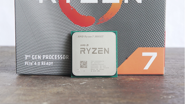 The middle child of the XT processors is the Ryzen 7 3800XT. It features 8 cores and 16 threads as its non-XT counterpart while operating at higher sp