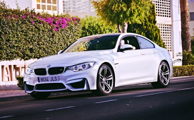 Di Danny Galvez from Pinoso, España (BMW M4.) [CC BY-SA 2.0 (https://creativecommons.org/licenses/by-sa/2.0)], attraverso Wikimedia Commons
