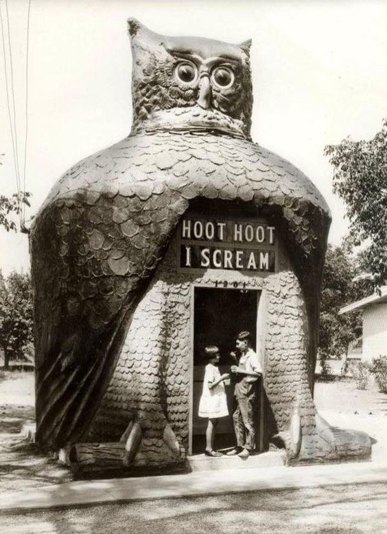 Owl ice cream kiosk