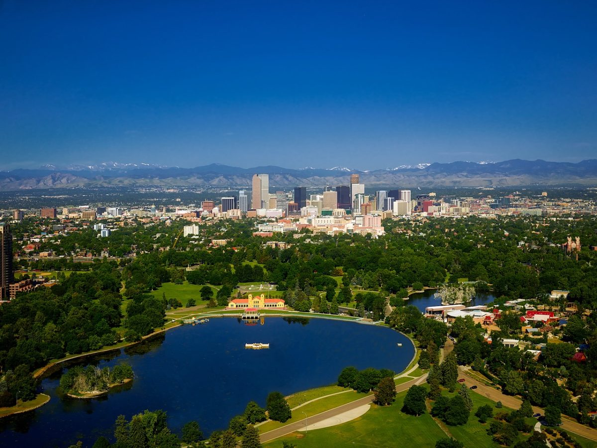 Cheap flights from Burlington to Denver, Colorado from 216$CAD R/T