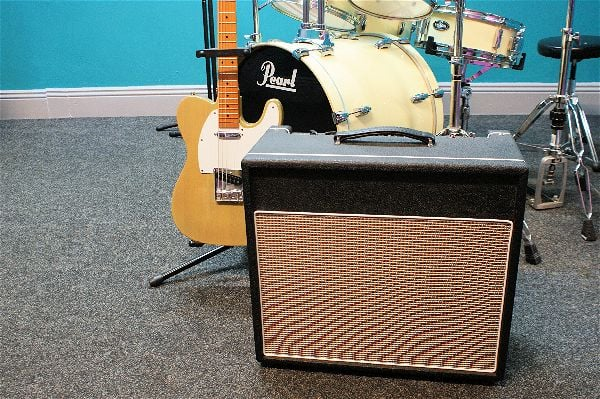 YGB-30T - Blues Guitar Valve Amplifier with Spring Reverb, 30W