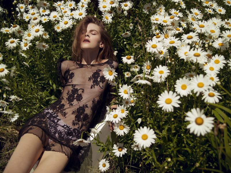 ruby-jean-wilson-in-garden-of-delights-3